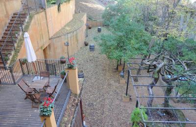 el jardí de l'hotel hostal sport al priorat