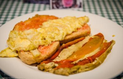 bar hostal sport priorat - desayuno de tenedor