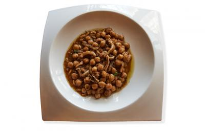 Restaurant Hostal Sport Falset - estofat de tripa de bacallà i cigrons