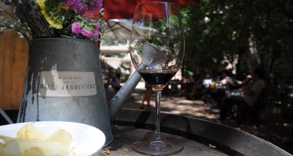 Maridaje de vinos y flores para grupos y empresas