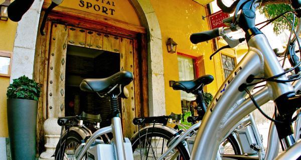 Hotel Hostal Sport pioners en bicicletes Flyer