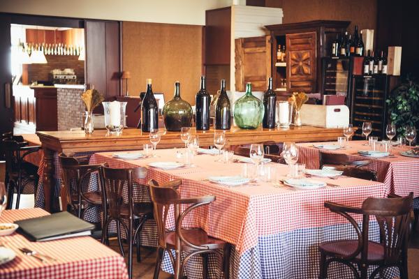 Menjador principal del restaurant hostal sport del Priorat
