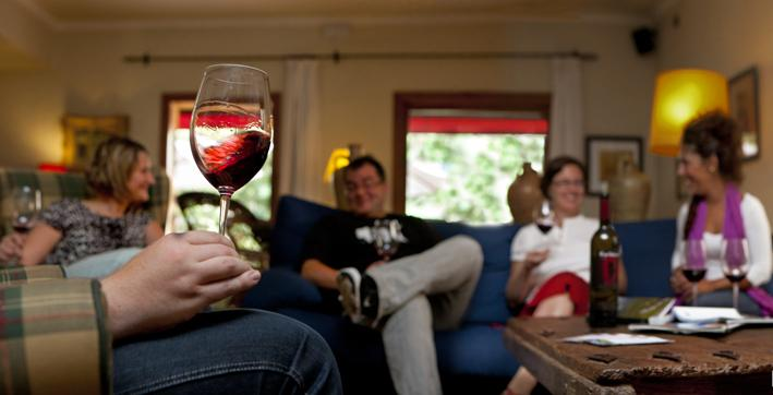 Relax with wine in the hall of Hotel Hostal Sport