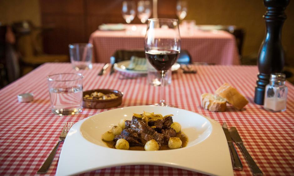 Restaurant Hostal Sport Priorat - cua de bou amb cebetes