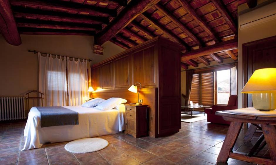 Habitación emblemática Hotel. Suite. Hotel enoturismo Tarragona