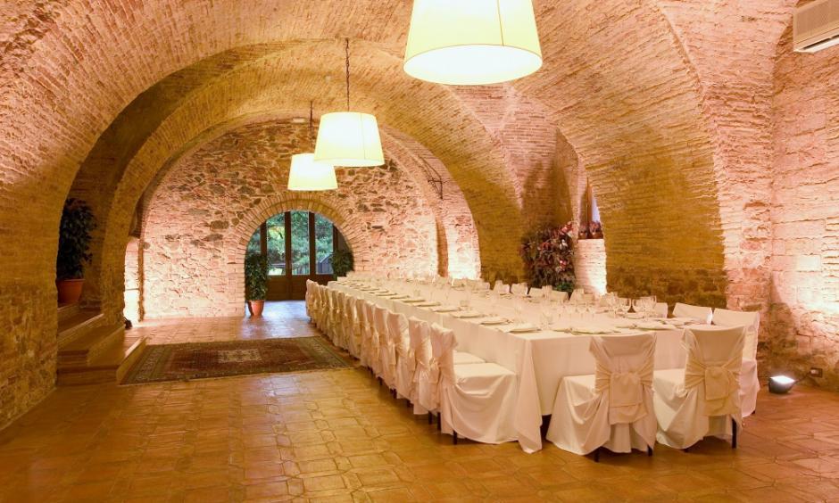 grandes celebraciones eventos bodas comuniones Tarragona, eventos empresa restaurante catering Priorat, jardín terraza hotel salón actos Falset,