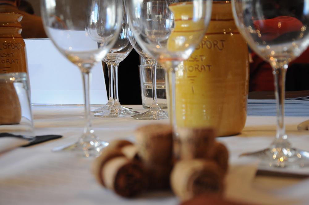Hotel Hostal Sport Priorat - Guia Melendo del Champagne